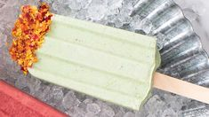 When filling molds, add a few extra slices of kiwi. Super Greens, Super Green Smoothie, Epicure Recipes, Meat Rubs, Gluten Free Menu, Specialty Foods, Cook At Home, Food Categories, Baking Supplies