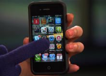 How to make your own touch-screen gloves for your smartphone. #chilly #winter #iphone #android