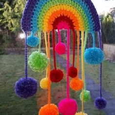 Ravelry: Pompom Rainbow - free crochet pattern by Seolta Hooker Basic Crochet Stitches, Crochet Basics, Crochet Blanket Patterns, Crochet Bunting, Crotchet Patterns, Crochet Home, Crochet Yarn, Free Crochet, Easy Crochet
