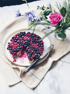 Guest Recipe: Squashed Berry & White Chocolate Cheesecake