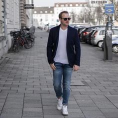 May you find moments that make you smile today!   #blogpost#menswear#munich #fashionblogger #fashionblogger_de #fashionblogger_muc #blogger#blogger_de#hamburg#berlin#köln#frankfurt#ootd#outfit#fashion#menswear#igers#bloggerlife#bloggerstyle#mnswr#dapper#streetstyle#fashiondaily#mensfashion#fashioninspo#instastyle#mensfashionblogger_de