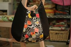 inspired bag...gorgeous! Use the Phoebe bag pattern