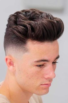 A mens blowout haircut looks effortless and stylish. Yet, to get that volume, you need to make some effort. No matter whether you have straight short hair or long waves and curls, you will easily find men hairstyles ideas in our gallery. #menshaircuts #menshairstyles #blowouthaircut #blowout