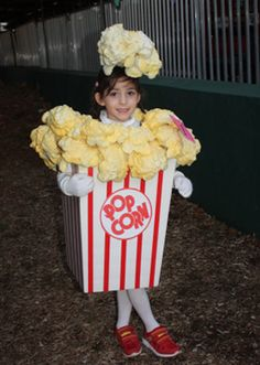 This awesome Green Halloween popcorn costume is made simply from foam board and spray insulation! Halloween 2018, Food Halloween Costumes, Fruit Costumes, Cheap Halloween, Halloween Costume Contest, Homemade Halloween, Carnival Costumes, Creative Halloween Costumes, Holidays Halloween