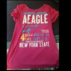 Casual T-Shirt Only worn a few times. American Eagle Outfitters Tops Tees - Short Sleeve