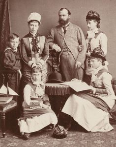 Grand Duke Louis and Grand Duchess Alice of Hesse with children : Elisabeth, Irene ,Victoria and Ernest
