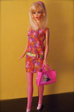 Vintage Barbie - Mod Era twist n' turn Hair Fair Barbie - Blonde