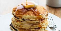 How To Make The Best Buttermilk Pancakes From Scratch What's For Breakfast, Breakfast Dishes, Breakfast Recipes, Breakfast Pastries, Breakfast Pancakes, Homemade Buttermilk Pancakes, Crepes, Pancakes From Scratch, Pancakes And Waffles
