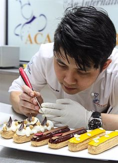 Chef Ko Wai from the Academy of Pastry Arts Malaysia in action.