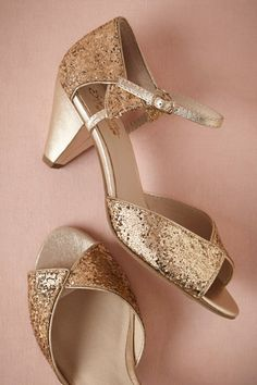 94dee20aa612 We rounded up 20 pairs of gold wedding shoes that  make your feet sparkle.  Because gold goes with everything.