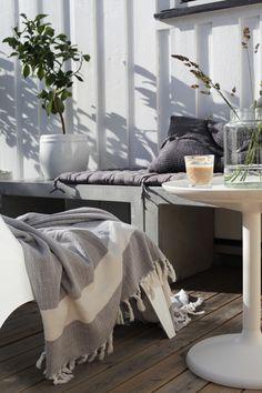 120715_1  http://elisabethheier.no/page/2/  scandinavian black and white terrace