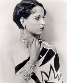 Louise Brooks, all dolled up