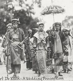 Fort-de-Kock-Minangkabau-Wedding-Sumatra-Indonesia-30s