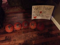 Proposal Ideas soccer If your boyfriend plays basketball or the guy you like plays it this is the PERF. If your boyfriend plays basketball or the guy you like plays it this is the PERFECT way to ask them to your prom. Trust me mine loved it! Dance Proposal, Homecoming Proposal, Prom Posals, Prom Dance, Basketball Relationship Goals, Asking To Prom, Basket Drawing, Ball Birthday Parties, Sadie Hawkins