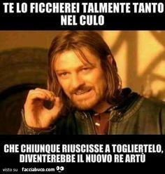Facciabuco, il social network satirico!