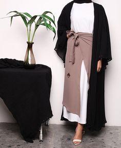 IG: La.Femme__    IG: Beautiifulinblack    Modern Abaya Fashion   