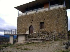 Pueblos deshabitados: El Meüll #pallarsjussa #despoblats #pueblosabandonados castell dels Senyors Sullà , familia nobiliaria molt poderosa de la Conca de Tremp