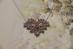 Tatting lace necklace pdf pattern Cupid's Heart di TheKimAndI