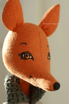 Beautiful embroided golden eyes of a doll fox - Tanushka Toy Treasure - Pet Fashion Fox Toys, Fox Embroidery, Fabric Animals, Gifts For An Artist, Doll Sewing Patterns, Plush Pattern, Cat Doll, Doll Shop, Ooak Dolls