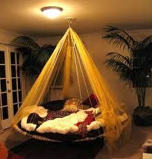 ilginç yatak odası ile ilgili görsel sonucu
