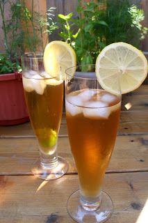 The Healthy Happy Wife: Brewed Iced Tea (Naturally Sweetened)