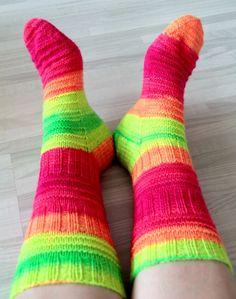 Knitting Socks, Crafts, Socks, Wool, Knit Socks, Manualidades, Handmade Crafts, Craft, Crafting