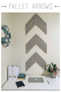 Pallet Arrow Wall De