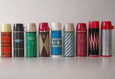 Vintage Thermos Collection by Chris Ferebee via Indulgy. Vintage Love, Retro Vintage, Vintage Items, Vintage Stuff, Thermos, Vintage Chalkboard, Smile And Wave, Vintage Picnic, Displaying Collections