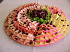 buffet by elisa No Cook Appetizers, Finger Food Appetizers, Appetizers For Party, Appetizer Recipes, Snack Recipes, Snacks, Food Table Decorations, Party Finger Foods, Food Displays