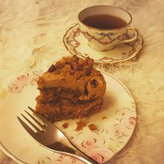 Alright... I can't help myself  Little slice of coffee cake to indulge with this week's new Made in Chelsea  @madeinchelsea #cake #indulge #micla #sweets #pudding #sliceofcake #yum #bankholiday #latenight #latenightcake #tea #alwayshungry #treat #whynot #yay
