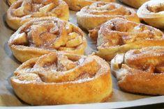 Schnelle softe Apfelkrapfen aus dem Ofen – Slava Kochen & Backen leicht gemacht Onion Rings, Muffins, Ethnic Recipes, Desserts, Donuts, Brot, Quick Cake, Kid Cooking, Small Cake