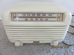 Vintage 1940's Philco Bakelite Transitone Radio PT-4 Needs Work
