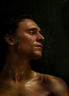 """Tom Hiddleston - tom-hiddleston Photo I showed this picture to my mom (who is an idiot) who hates Loki and has even called him ugly and asked her what she thinks of him now. She said: """"No, that picture's pretty good"""""""