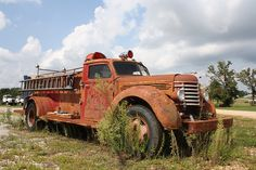 Rusty old firetruck.