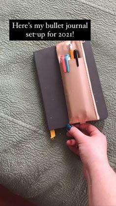 Bullet Journal Paper, Creating A Bullet Journal, Self Care Bullet Journal, Bullet Journal Lettering Ideas, Bullet Journal Notebook, Bullet Journal Aesthetic, Bullet Journal Spread, Bullet Journal Layout, Bullet Journal Inspiration