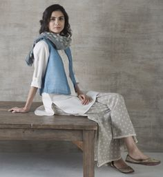 TRAVEL & LEISURE Layering textile traditions in contemporary silhouettes is a lovely way to take Indian style around the world. Our summer styles are made to transition easily from tropical to urban jungles, from travel to leisure. These soft, handwoven linen blends with natural dye washes in graphic prints are available across all Good Earth shops. #GoodEarthSustain #Handwoven #NaturalDye #SustainableLuxury