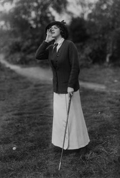 Golf Fashion Vintage Gladys Cooper playing golf, by Bassano, 1912 - Golf Attire, Golf Outfit, Edwardian Fashion, Vintage Fashion, Edwardian Era, Vintage Golf, Look Retro, Golf Player, Thing 1