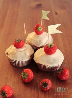 DOITYU.de » DOITYU.de – Dein Portal für Do-it-Yourself Ideen & Tipps! Werde Teil einer kreativen Community, teile deine DIY Anleitungen und lasse dich inspirieren… » Erdbeer-Vanille-Cupcakes