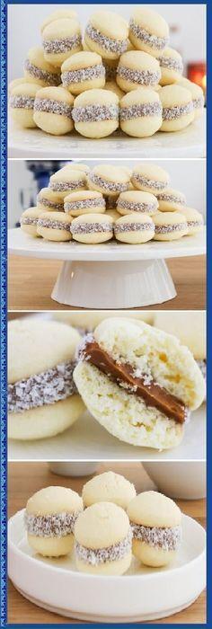 Lo mejor de todos Alfajorcitos de Maicena es de mi Madre! #postres #cheesecake #cakes #pan #panfrances #panettone #panes #pantone #pan #recetas #recipe #casero #torta #tartas #pastel #nestlecocina #bizcocho #bizcochuelo #tasty #cocina #chocolate Si te gusta dinos HOLA y dale a Me Gusta MIREN... Cookie Recipes, Dessert Recipes, Mini Cakes, Cake Cookies, Cake Pops, Love Food, Sweet Recipes, Donuts, Food And Drink