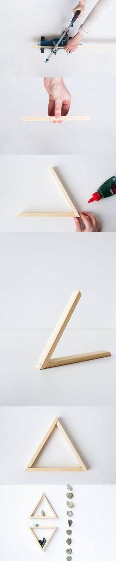 Pequeño estante triangular - diyfohome.blogspot.com - DIY Easy Triangular Shelf