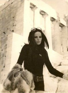 Looking at the Past. Style Inspiration, Elena Nathanail - Portraits Of Elegance Greek Fashion, 70s Fashion, Ali Mcgraw, Greek Icons, Greek Beauty, Cinema Theatre, Greek Culture, Cosmic Girls, Iconic Women