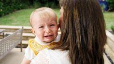 #La raison pour laquelle un bébé pleure dans vos bras - 7sur7: 7sur7 La raison pour laquelle un bébé pleure dans vos bras 7sur7 Les…