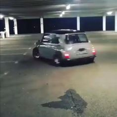 Mini Cooper Classic, Classic Mini, Old Mini Cooper, Mini Cooper Custom, Mini Coopers, Classic Cars, Mini Cooper Tuning, My Dream Car, Dream Cars