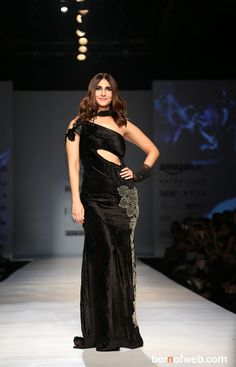 Born of web | AIFW Honor Show: Vaani Kapoor & Rina Dhaka share their idea of romance! - Born of web