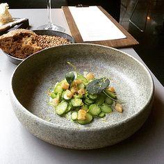 Beautiful plate by Gurli Elbækgaard #arakataka#oslo#gourmet#blæksprutte#asparges#bergamotte#mums#keramik#stentøj#stoneware#becomingafoodie