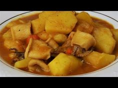 Guiso de patatas y calamares, una exquisita comida que hará las delicias de los amantes de los guisos Spanish Food, Potato Salad, Deserts, Food And Drink, Cooking, Ethnic Recipes, Cheese Potatoes, Vegetarian Food, Healthy Recipes