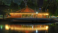 Spokane Carousel  Photo by Hector Quiroga