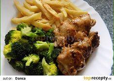 """Kuřecí steak s jemnou máslovou brokolicí ( aneb """" za 20 minut obědváme"""" ) recept - TopRecepty.cz Steak, Beef, Chicken, Food, Meat, Eten, Ox, Steaks, Ground Beef"""