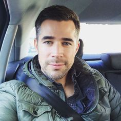 (c) Jo Weil on his Way to the next Shooting Location