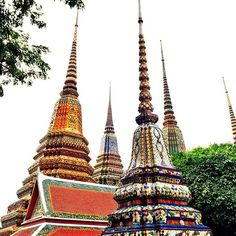 What is your favorite temple in Thailand? Places In Bangkok, Reclining Buddha, Wat Pho, Southeast Asia, Temple, Thailand, Tower, Photo And Video, Travel